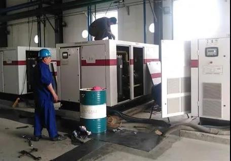 压缩机组油耗过大或排出压缩空气含有油分